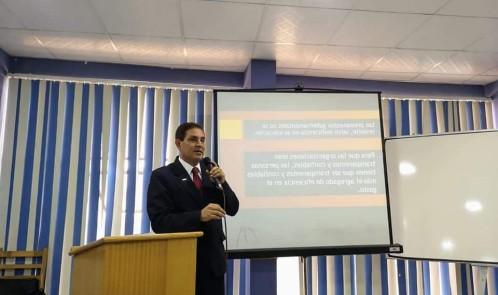 Yuri Gonzales R.  Conferencista internacional